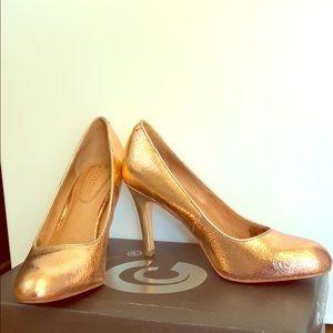Rose gold pumps